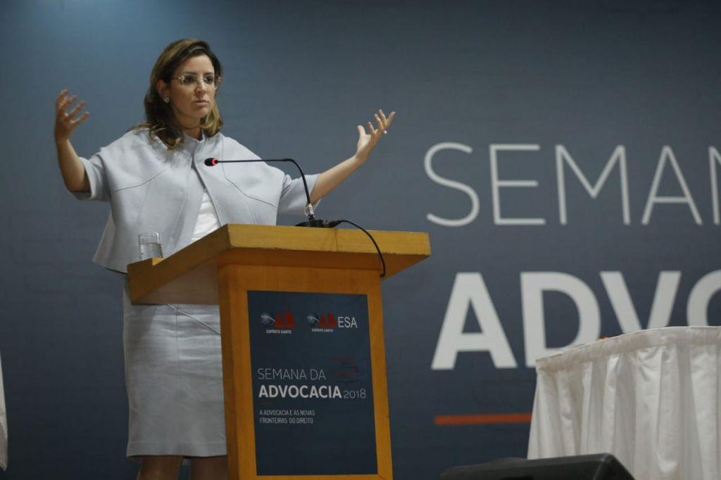 Carolina Tupinambá disse que o modelo fordista não mais tem conexão com a realidade.