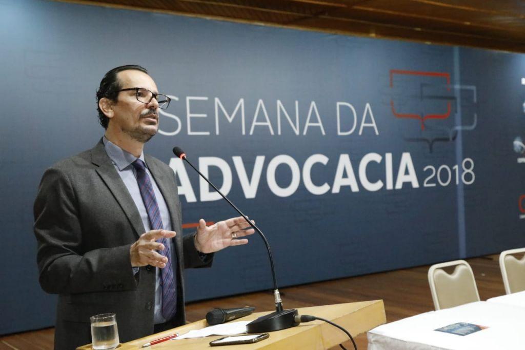Rodrigo Mazzei, da ESA, falou em substituição ao palestrante Antonio Carlos Marcato .