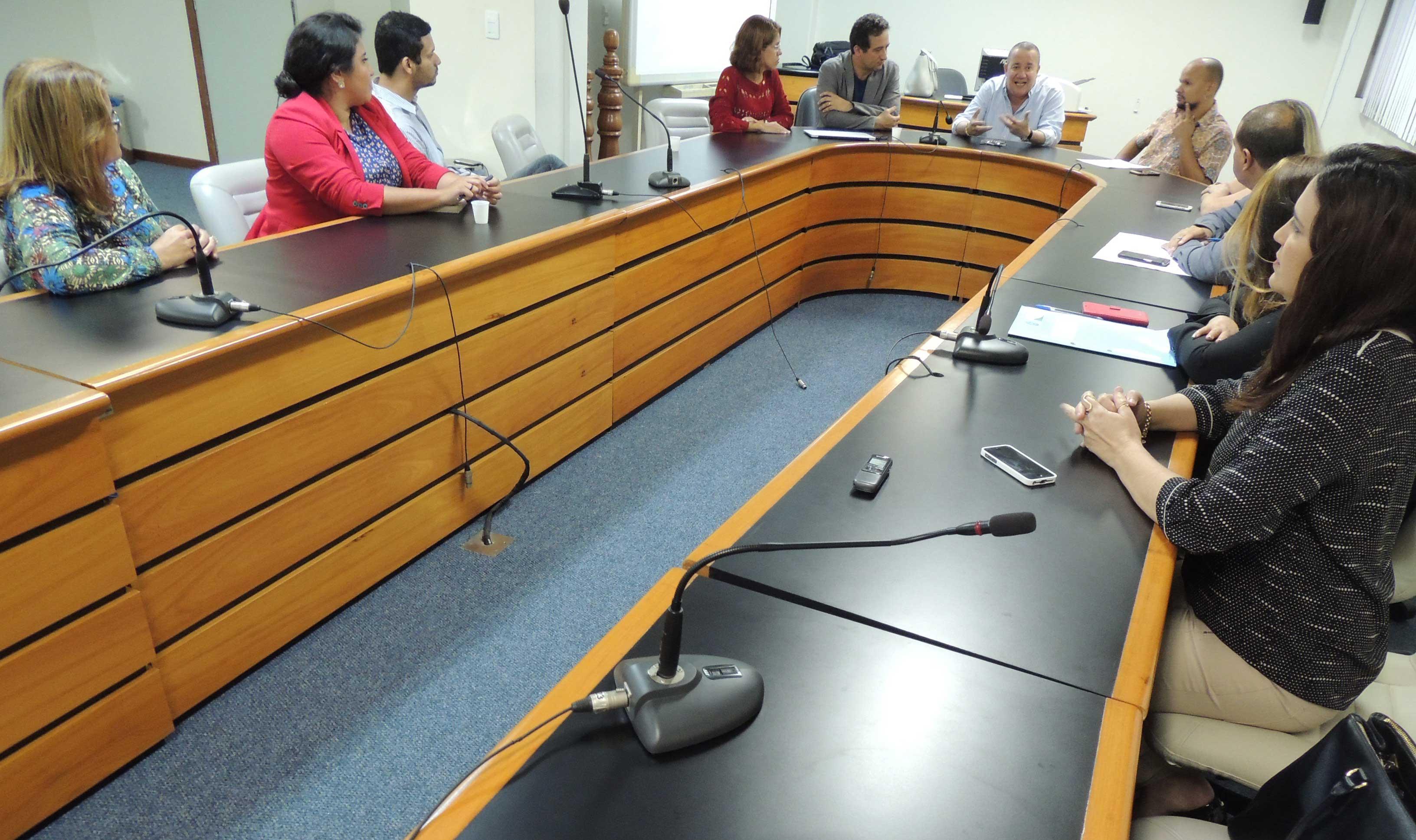 Comissão fará rodas de conversa mensais. Foto: Divulgação.