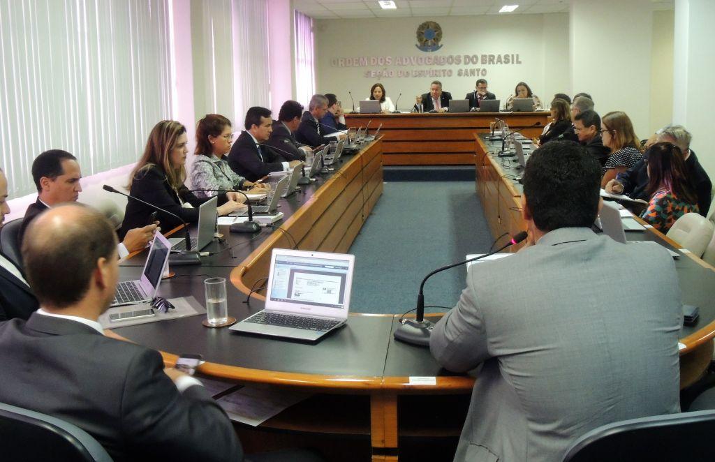 Conselho da OAB-ES se reuniu na tarde desta segunda-feira (26)