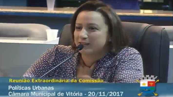 Secretária-geral adjunta, Erica Neves representou a OAB-ES. Foto: Divulgação.